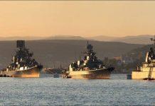 Flota del Mar negro durante el desfile en Sabastopol.