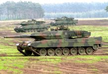Leopard 2A5 del Bundeswehr se ejercitan en el terreno. Imagen: Internet.