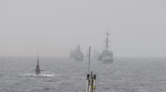 Los submarinos Gotland y U33 encabezan la formación de buques que tomarán parte del ejercicio Dynamic Mongoose 2015. Imagen: OTAN