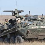 M-1126 Stryker maniobra en el campo de entrenamiento de Smardan, Rumania, durante ejercicios conjuntos realizados en abril de 2015. Imagen: US Army - Sgt. William A. Tanner.