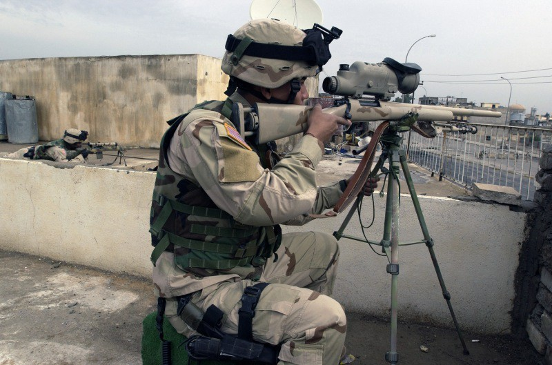 Equipo de tiradores avanzados en tarea de sobre-vigilancia, Irak. Imagen: US Army - Sgt Jeremiah Jhonson.