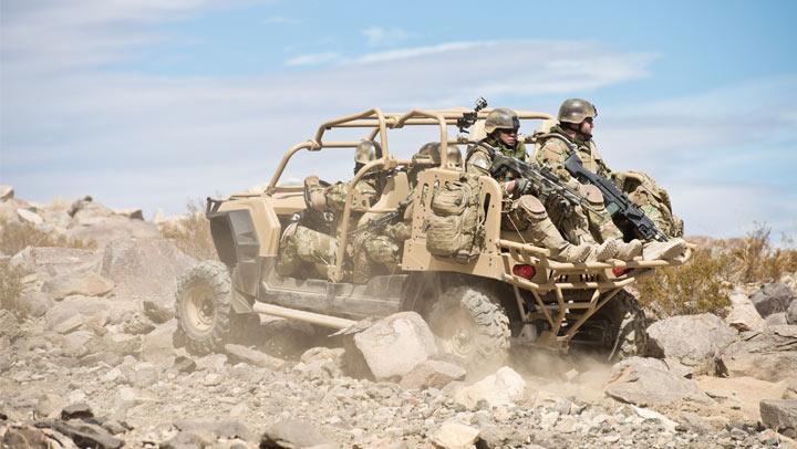MRZR-4 en configuración para 6 personas. Imagen: Polaris Defence.