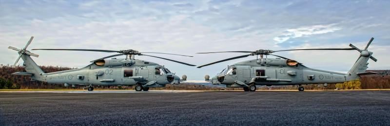 Primer par de MH-60R entregados a Australia. Imagen: Daniel Rude - LM.