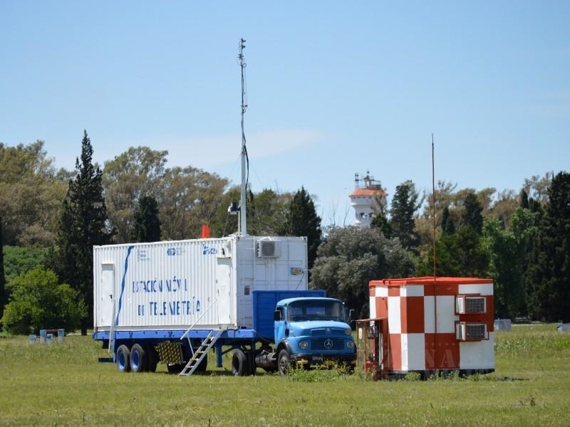 Camión de telemetría empleado para el registro de datos de vuelo. Imagen: Zona-Militar.