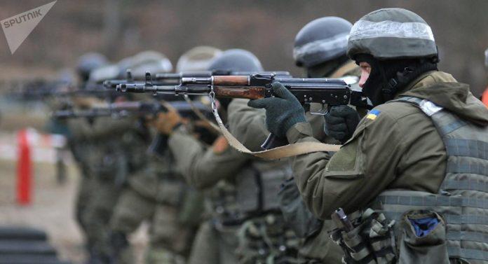 Ucrania destituye al presidente Yanukovich. Rusia anexa la Peninsula de Crimea, separatistas armados atacan en el Este. - Página 30 1070548992-696x377