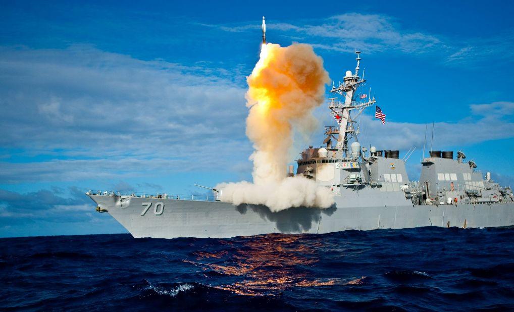 Ejercicios OTAN con fuego real DDG-Aegis-misil-lanzamiento-chica
