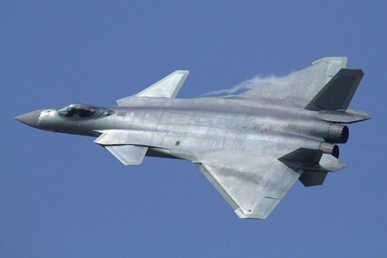 China avanza en el otorgamiento de capacidades furtivas a los jets convencionales