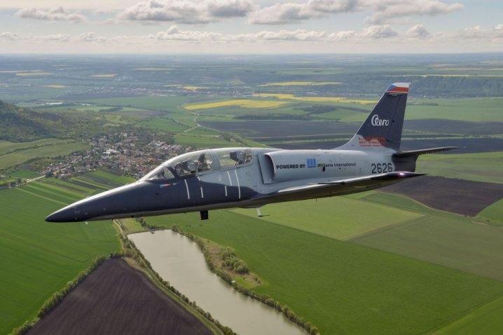 Aero completa el desarrollo del L-39CW Albatros