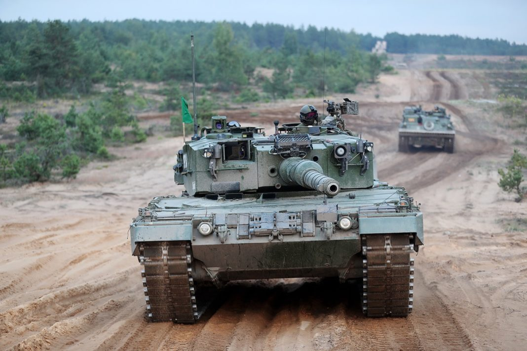 militar - Los países nórdicos estrechan su cooperación militar frente a Rusia - Página 2 Leopard-2A4NO-chica-1068x712