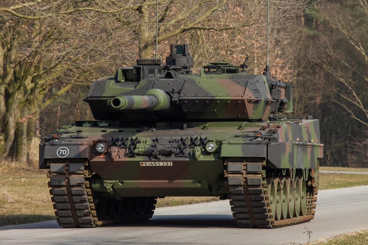 militar - Los países nórdicos estrechan su cooperación militar frente a Rusia - Página 2 Leopard-2A7-Bundeswehr-chica