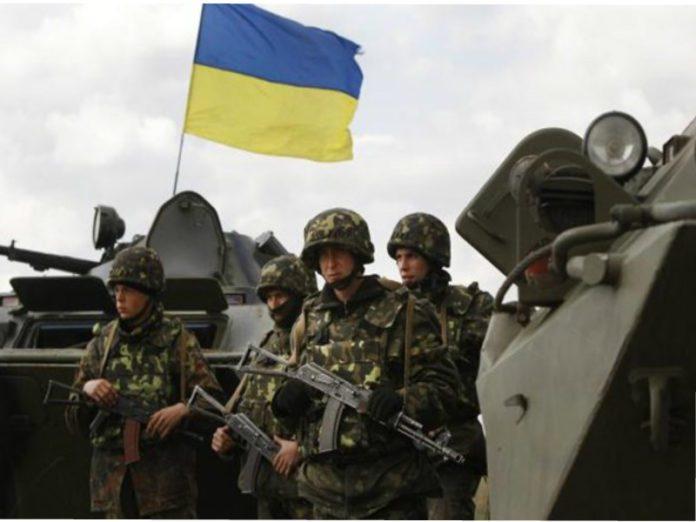 Ucrania destituye al presidente Yanukovich. Rusia anexa la Peninsula de Crimea, separatistas armados atacan en el Este. - Página 31 Militares-ucranianos-696x522
