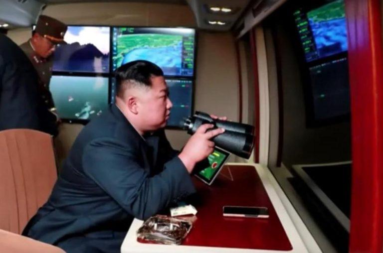 Corea del Norte dice que Kim supervisó la última prueba de lanzamiento de cohetes