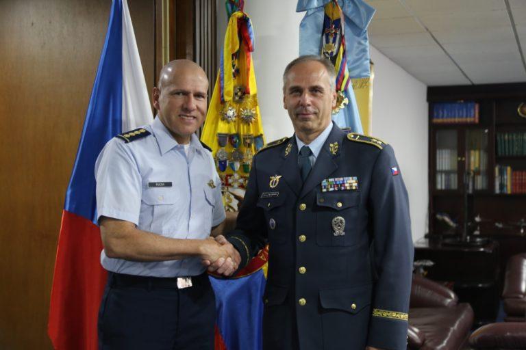 Fuerza Aérea Checa visita Colombia