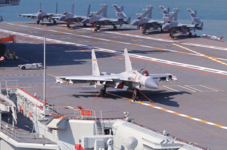 Shenyang reanuda la producción del caza embarcado J-15