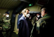 Francia retira tropas