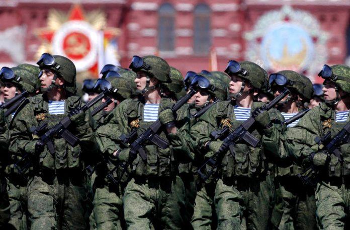 Putin advirtió que podría ser necesario convocar al Ejército en medio del aumento diario de casos por Covid-19